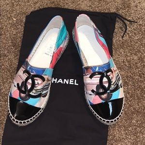 CHANEL slip on flats ✨